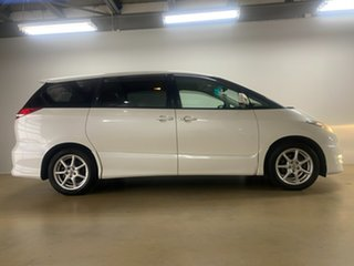 2007 Toyota Estima White 6 Speed Automatic Van.