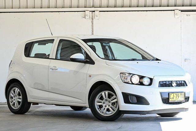 Used Holden Barina TM MY16 CD Laverton North, 2016 Holden Barina TM MY16 CD White 6 Speed Automatic Hatchback
