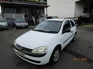2005 Holden Barina XC (MY04.5) White 5 Speed Manual Hatchback.
