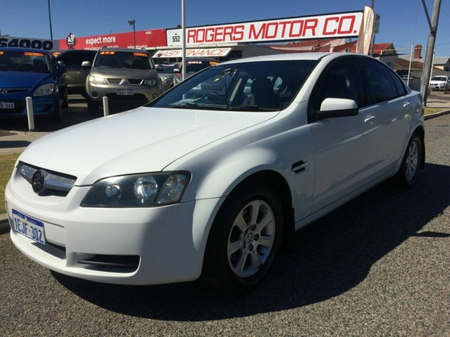 Used Holden Commodore VE MY08 Omega Victoria Park, 2008 Holden Commodore VE MY08 Omega White 4 Speed Automatic Sedan