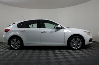 2015 Holden Cruze JH Series II MY15 Equipe White 5 Speed Manual Hatchback