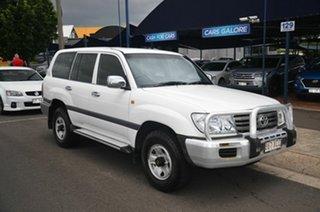2005 Toyota Landcruiser UZJ100R GXL (4x4) White 5 Speed Automatic Wagon.