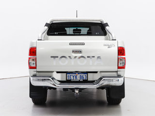 2013 Toyota Hilux KUN26R MY14 SR5 (4x4) Silver 5 Speed Manual Dual Cab Pick-up