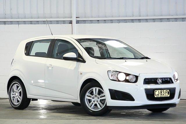 Used Holden Barina TM MY16 CD West Gosford, 2016 Holden Barina TM MY16 CD White 6 Speed Automatic Hatchback