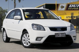 2010 Kia Rio JB MY10 Sports Special Edition Clear White 5 Speed Manual Hatchback.