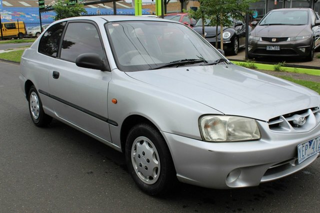 Used Hyundai Accent LC GS West Footscray, 2002 Hyundai Accent LC GS Silver 4 Speed Automatic Hatchback