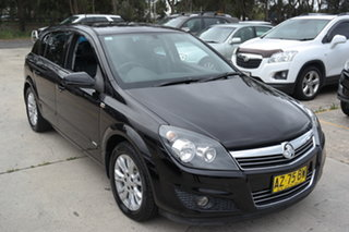 2008 Holden Astra AH MY08 CDX Black 5 Speed Manual Hatchback.