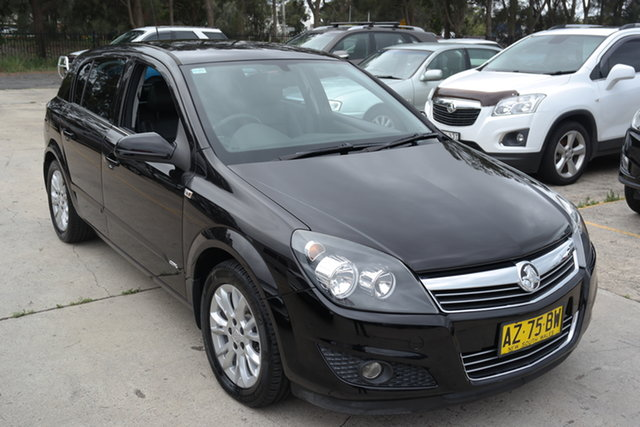 Used Holden Astra AH MY08 CDX Maryville, 2008 Holden Astra AH MY08 CDX Black 5 Speed Manual Hatchback