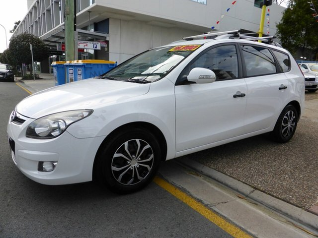 Used Hyundai i30 FD MY11 CW SX 1.6 CRDi Southport, 2011 Hyundai i30 FD MY11 CW SX 1.6 CRDi White 4 Speed Automatic Wagon