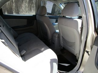 2005 Kia Cerato LD Gold 5 Speed Manual Sedan