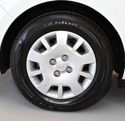 2012 Hyundai i20 PB MY13 Active White 6 Speed Manual Hatchback