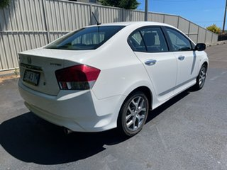 2010 Honda City GM MY11 VTi White 5 Speed Manual Sedan.
