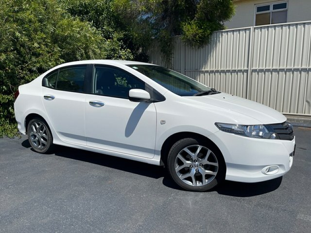 Used Honda City GM MY11 VTi Devonport, 2010 Honda City GM MY11 VTi White 5 Speed Manual Sedan