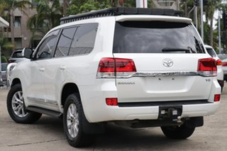 2017 Toyota Landcruiser VDJ200R MY16 Sahara (4x4) Crystal Pearl 6 Speed Automatic Wagon.