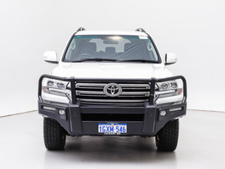 2018 Toyota Landcruiser VDJ200R MY16 GXL (4x4) White 6 Speed Automatic Wagon.