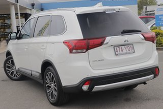2017 Mitsubishi Outlander ZL MY18.5 ES AWD White Solid 6 Speed Constant Variable Wagon.