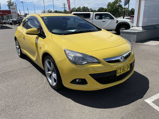Used Holden Astra PJ MY16 GTC Cardiff, 2015 Holden Astra PJ MY16 GTC Yellow 6 Speed Automatic Hatchback