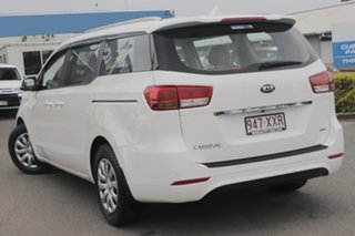 2016 Kia Carnival YP MY16 S Clear White/beige 6 Speed Sports Automatic Wagon.