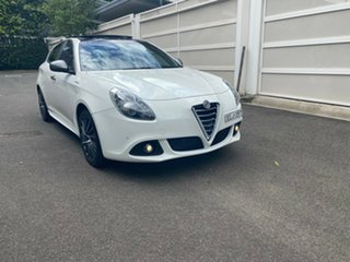 2015 Alfa Romeo Giulietta Series 1 Distinctive TCT White 6 Speed Sports Automatic Dual Clutch.