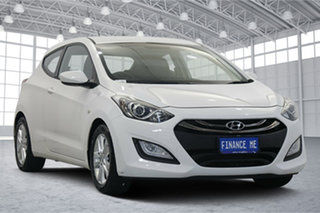 2013 Hyundai i30 GD SE Coupe Creamy White 6 Speed Sports Automatic Hatchback.