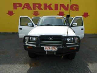 2004 Toyota Hilux SR5 White 5 Speed Manual Dual Cab.