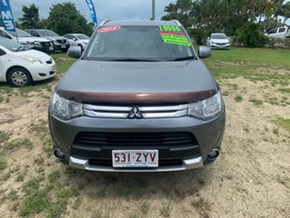 2014 Mitsubishi Outlander Silver 6 Speed Automatic Wagon.
