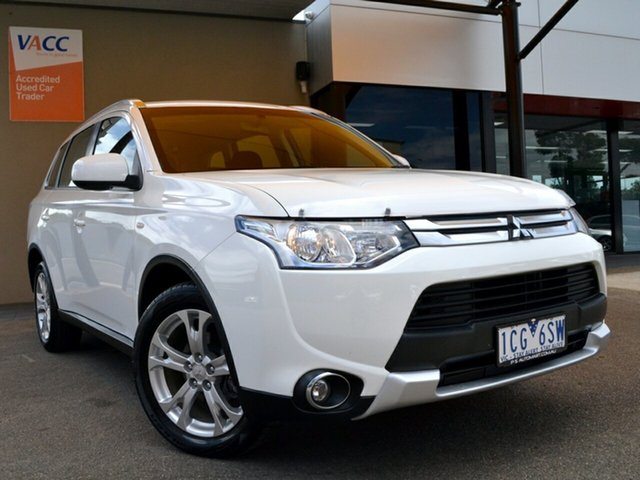 Used Mitsubishi Outlander ZJ MY14.5 ES 4WD Fawkner, 2014 Mitsubishi Outlander ZJ MY14.5 ES 4WD White 6 Speed Constant Variable Wagon