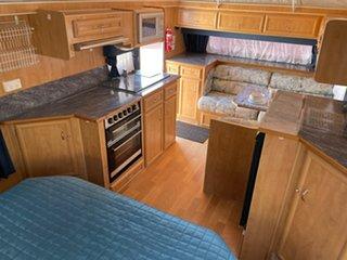 2009 Golden Eagle Rambler Caravan