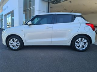 2017 Suzuki Swift GL White Manual Hatchback