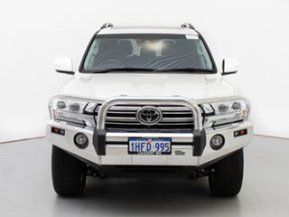 2018 Toyota Landcruiser VDJ200R MY16 Sahara (4x4) White 6 Speed Automatic Wagon.