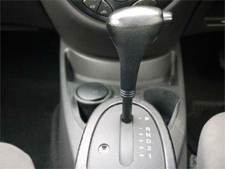 2004 Ford Focus LR SR CL White Automatic Sedan