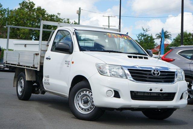 Used Toyota Hilux KUN16R MY14 SR 4x2 Mount Gravatt, 2014 Toyota Hilux KUN16R MY14 SR 4x2 White 5 Speed Manual Cab Chassis
