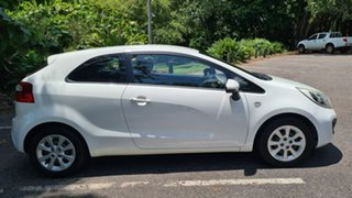 2014 Kia Rio UB MY14 S White 6 Speed Manual Hatchback.