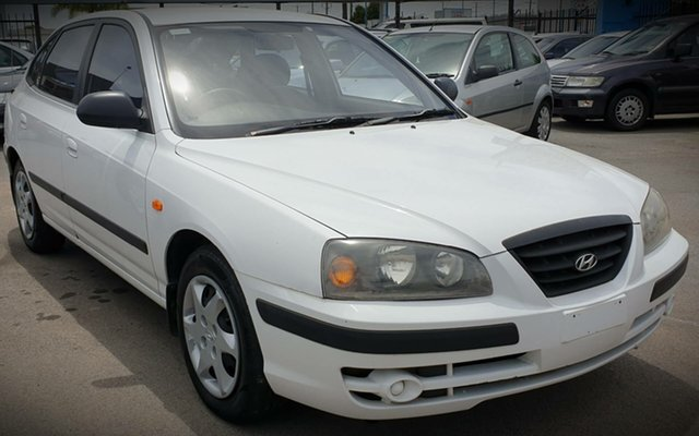Used Hyundai Elantra XD MY04 Cheltenham, 2003 Hyundai Elantra XD MY04 White 4 Speed Automatic Hatchback