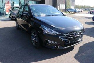 2020 Hyundai i30 PD.V4 MY21 Phantom Black 6 Speed Sports Automatic Hatchback.