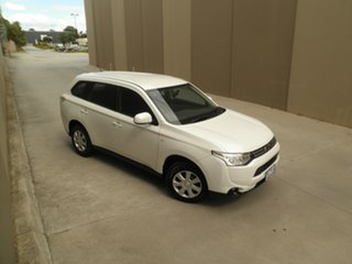2013 Mitsubishi Outlander ZJ MY14 ES 2WD Pearlescent White 5 Speed Manual Wagon