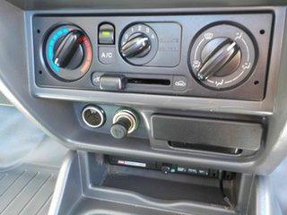 2006 Mazda Bravo B2500 DX 4x2 White 5 Speed Manual Cab Chassis