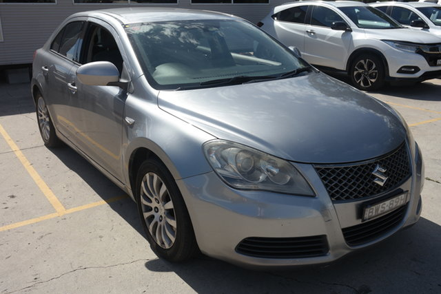 Used Suzuki Kizashi FR XL Maryville, 2010 Suzuki Kizashi FR XL Silver 6 Speed Constant Variable Sedan