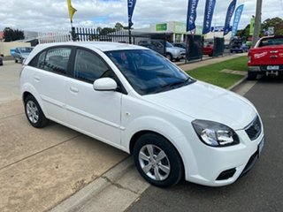 2010 Kia Rio JB MY10 S White 4 Speed Automatic Hatchback.