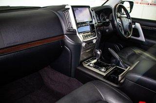 2017 Toyota Landcruiser VDJ200R MY16 Sahara (4x4) Silver Pearl 6 Speed Automatic Wagon