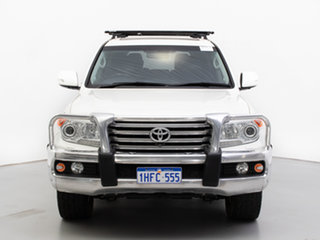 2013 Toyota Landcruiser VDJ200R MY13 Sahara (4x4) White 6 Speed Automatic Wagon.