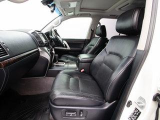 2013 Toyota Landcruiser VDJ200R MY13 Sahara (4x4) White 6 Speed Automatic Wagon