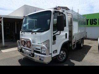 Isuzu  Medium.