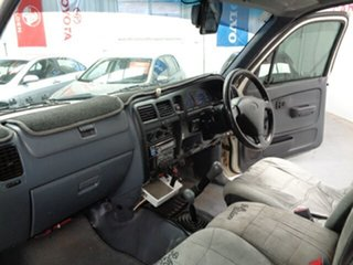 2003 Toyota Hilux KZN165R MY02 White 5 Speed Manual Cab Chassis