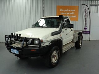 2003 Toyota Hilux KZN165R MY02 White 5 Speed Manual Cab Chassis.