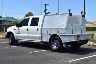 2002 Ford F250 XLT White 4 Speed Automatic Utility.