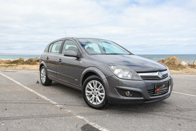 Used Holden Astra AH MY08 CDX Lonsdale, 2008 Holden Astra AH MY08 CDX Grey 5 Speed Manual Hatchback