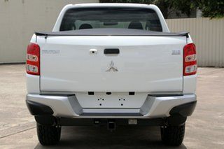 2016 Mitsubishi Triton MQ MY17 GLX Double Cab White 5 Speed Sports Automatic Utility