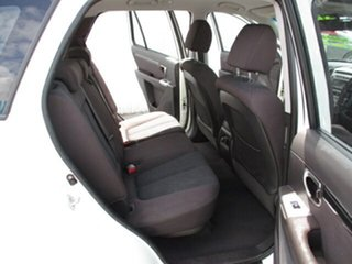 2010 Hyundai Santa Fe White 5 Speed Automatic Wagon