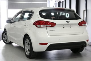 2015 Kia Cerato YD MY15 S White 6 Speed Automatic Hatchback.